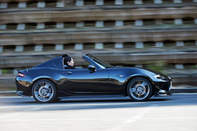 画像: デモカーのターボ仕様を見て「これだ!」っと悟ったオーナーの小田中さん。ノーマルエンジンにはなかった、豪快なターボの加速に酔いしれているそうだ。
