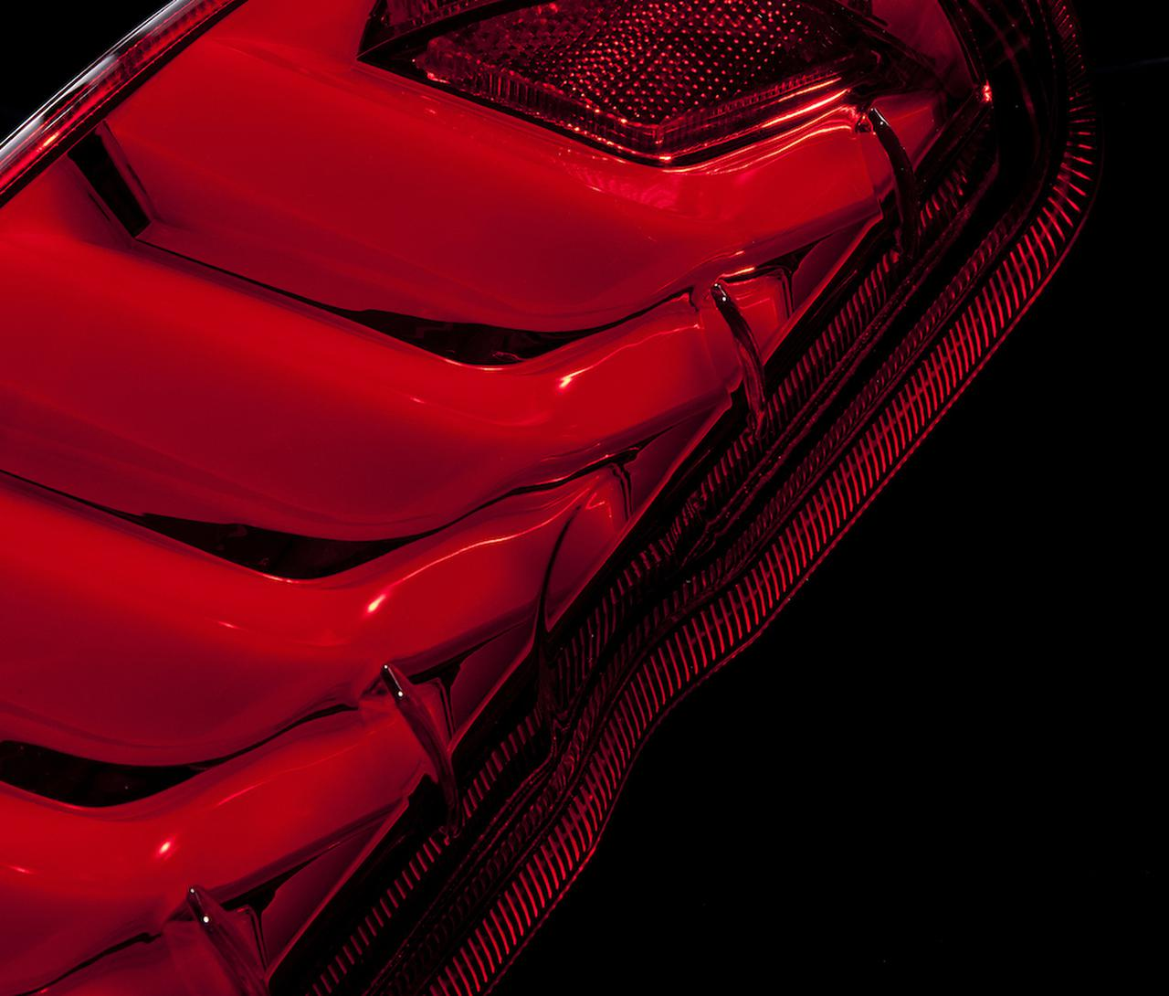 Images : 5番目の画像 - トヨタ ハイエース(200系)用LEDテールランプ - Webモーターマガジン
