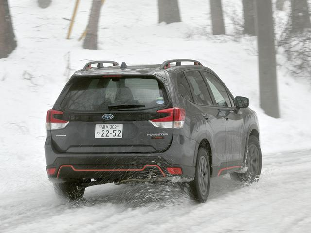 画像: 今回は非圧雪路や凍結路、さらに写真のようなシャーベット状の路面もあったが、いずれも安心して走れた。