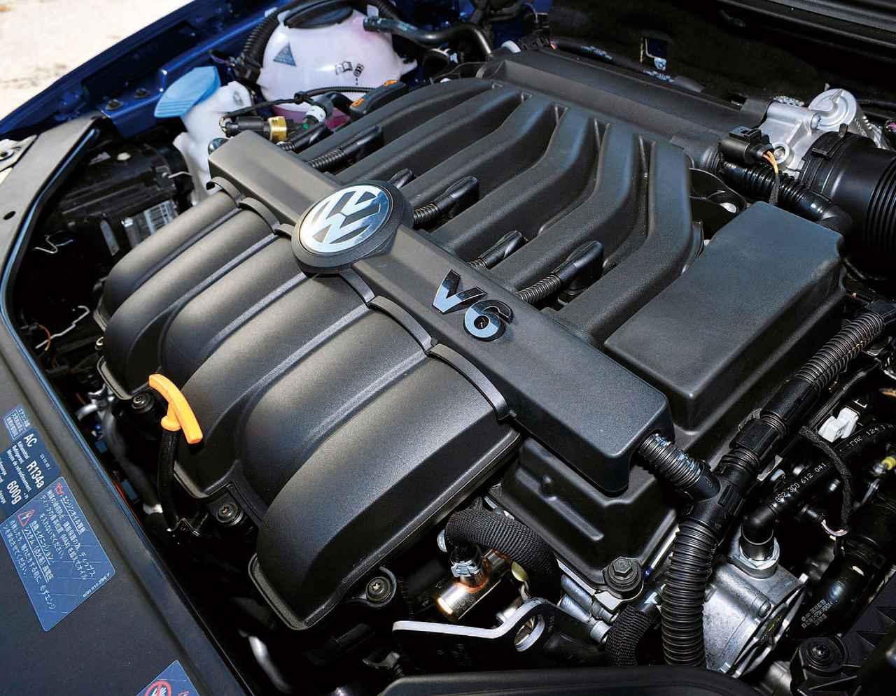 画像: パサートヴァリアントR36のエンジンはバンク角10.6度の狭角3.6L V6。パサートR36専用にチューニング、最高出力は299psに達する。