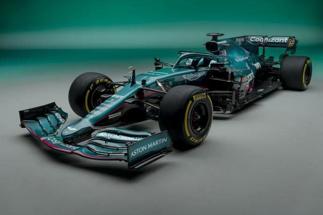 画像: 61年ぶりにF1に復帰するアストンマーティン。チーム名は「アストンマーティン コグニザント フォーミュラ1チーム」、マシン名は「AMR21」。ドライバーはセバスチャン・ヴェッテルとランス・ストロール。