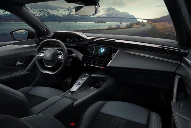画像: 情報のわかりやすさをさらに追求した最新の「3D i-Cockpit」デザインを採用。