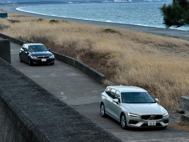 画像: ベーシックグレードに目を向けるのも悪くない。(右ボルボ V60 B4モメンタム/左BMW 318iツーリング)
