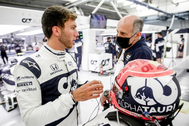 画像: ミディアムタイヤでのQ2突破し、Q3では5番手タイムをマークしたピエール・ガスリー。角田の活躍がいい刺激になっている。
