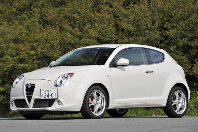 画像: TCT搭載車は試乗車のコンペティツィオーネと、廉価版のスプリント(278万円)がある。最大の違いはホイールで、前者は17インチ、後者は16インチ。