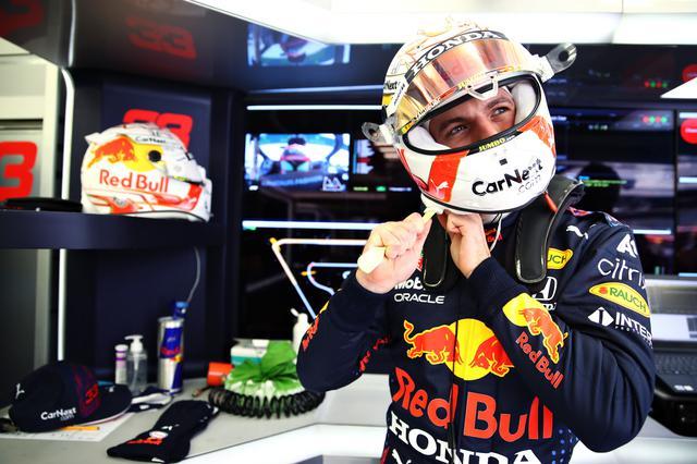 画像: バーレーンGPではメルセデスの2台をケアしながらのレースとなり後手に回ったフェルスタッペンだったが、ペレスの加入でエミリア・ロマーニャGPは面白い展開となりそうだ。