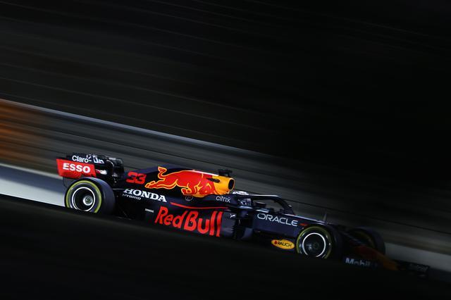 画像: バーレーンGPでは勝利こそ逃したものの、力強いパフォーマンスを見せつけたマックス・フェルスタッペン(レッドブル・ホンダ)。