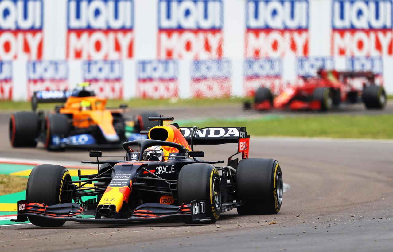 画像: レッドブル・ホンダのマックス・フェルスタッペン。予選でこそポールポジションを獲得できなかったものの、序盤に主導権を握ると、レースをコントロールして完勝した。