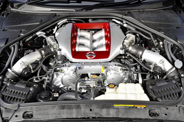 画像: V6ツインターボエンジンは45ps/2.5kgmアップの530ps/62.5kgmとしながら、燃費も8.5km/Lと0.2km/L向上した。