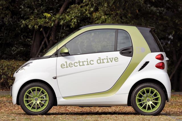 画像: 外寸はガソリンエンジン車とまったく同じだが、EVだから当然ながらテールエンドにエクゾーストパイプはない。