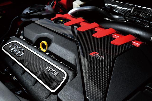 画像: RS Q3は2.5L 直5ターボを搭載。まさに円熟の領域へと進化。