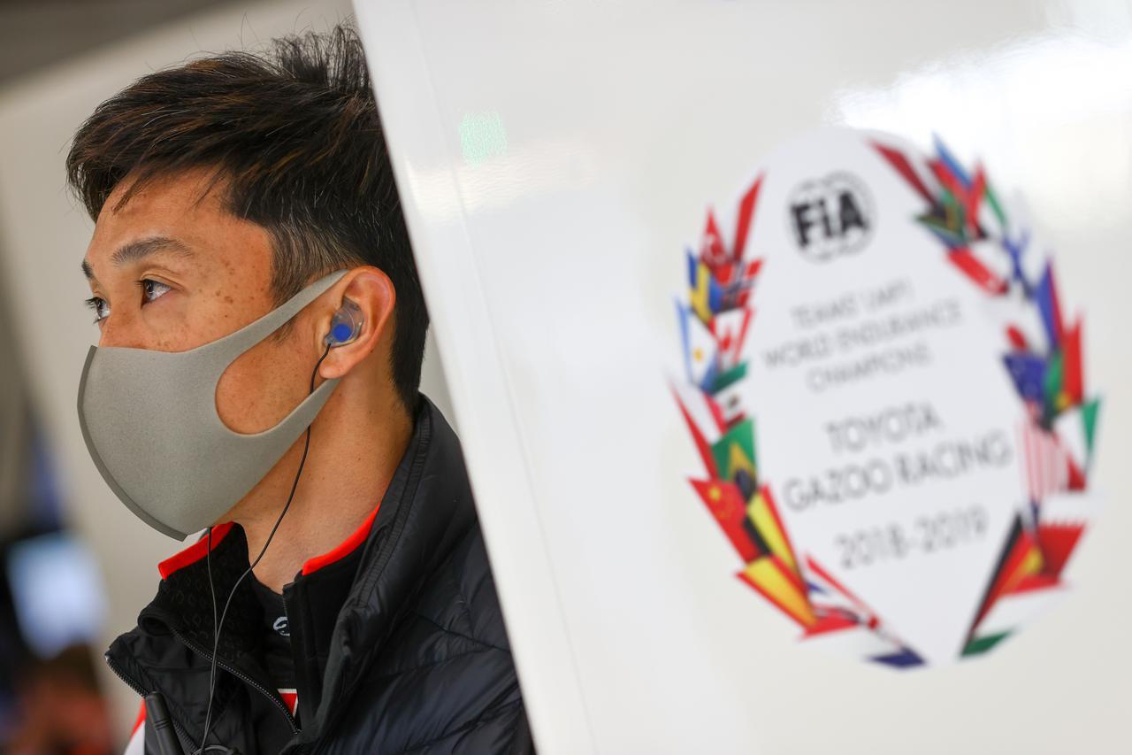 画像: 8号車のトヨタGR010ハイブリッドに乗る中嶋一貴。LMP2が速いので激しいレースになると分析する。