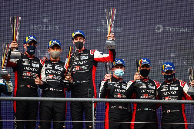 画像: トヨタは2台揃って表彰台を獲得。左が優勝した8号車。左からセバスチャン・ブエミ、中嶋一貴、ブレンドン・ハートレー。