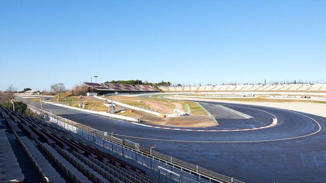 画像: 改良された第10コーナー。大きく回り込むような形状となった。コースの距離は20mほど伸びたが、ラップタイムは短縮されそうだ。