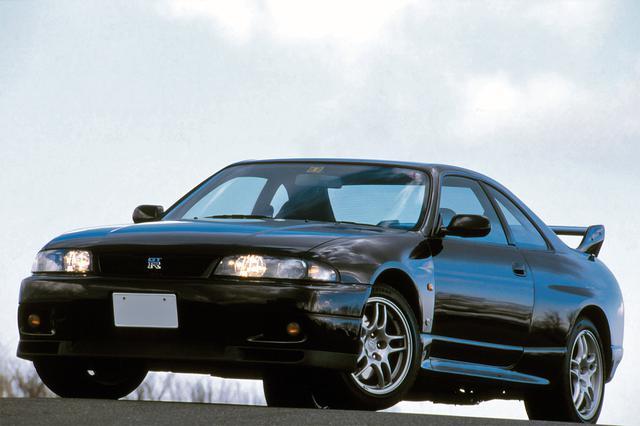 画像: 第4位:日産 スカイラインGT-R(BCNR33型:1995年1月発売)