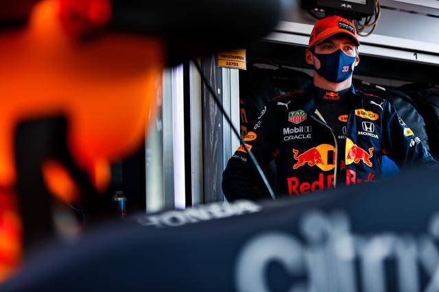 画像: 惜しくもポールポジションを逃したが、フロントロウ2番手から決勝レースをスタートするマックス・フェルスタッペン(レッドブル・ホンダ)。