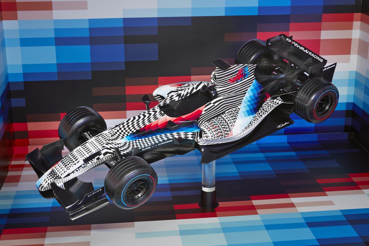 画像: 2分の1スケールモデルの「アルピーヌ F1×フェリペ・パントネ」。