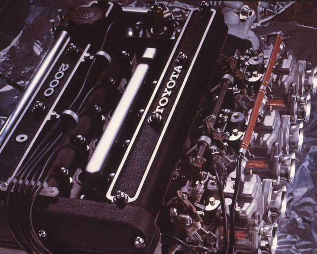 画像: トヨタ2000GTに搭載された3M型。ヤマハ製のDOHCヘッドを装着し150ps/18.0kgmを発生。数々の世界記録を打ち立てた。