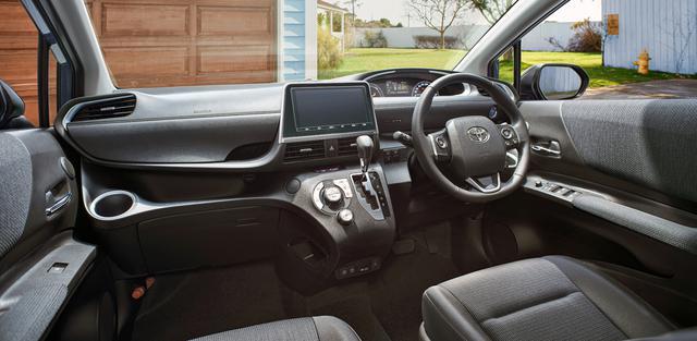 画像: 特別仕様車のブラックインテリア(インストルメントパネル&アッパーボックス)。