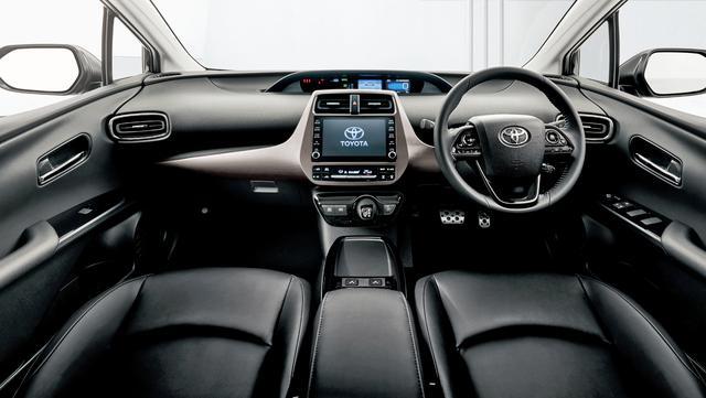 画像: プリウス 特別仕様車「S ツーリングセレクション ブラックエディション」のインテリア(内装色は、ブラック)。