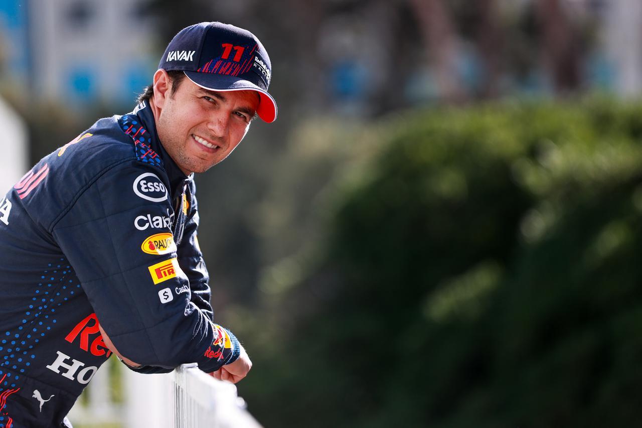 画像: 初日トップタイムをマークしたセルジオ・ペレス(レッドブル・ホンダ)。予選で上位につけて優勝争いに加わりたいところ。