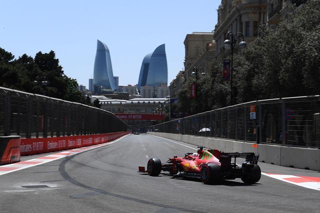 画像: Q3でうまくトウをうまく使ってポールポジションを獲得したフェラーリのシャルル・ルクレール。