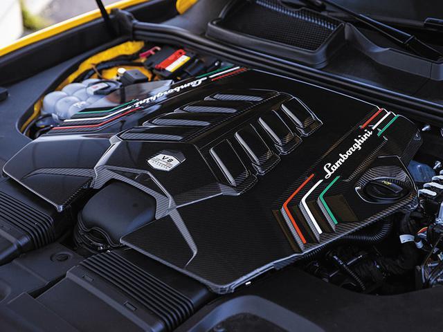 画像: 搭載する4L V8ツインターボエンンジンは、最高出力650ps/6000rpm、最大トルク850Nm/2250-4500rpmを発生する。