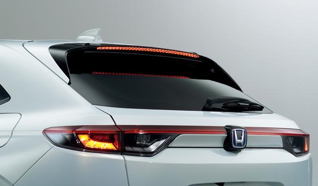 画像: 優れたデザインはもとより、高速域の安定性も向上するパーツだ。