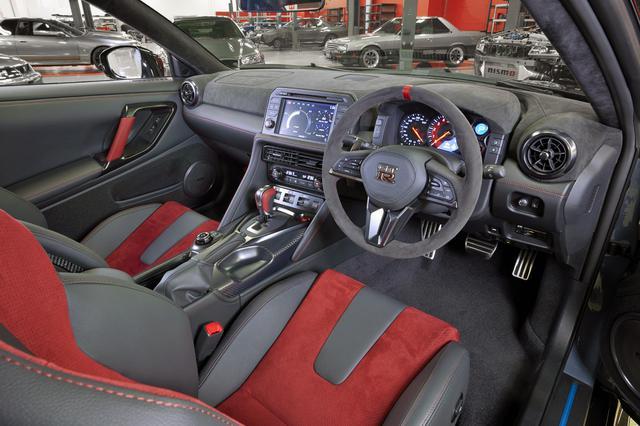 画像: GT-R ニスモ 2022年モデル「スペシャルエディション」のコクピット。