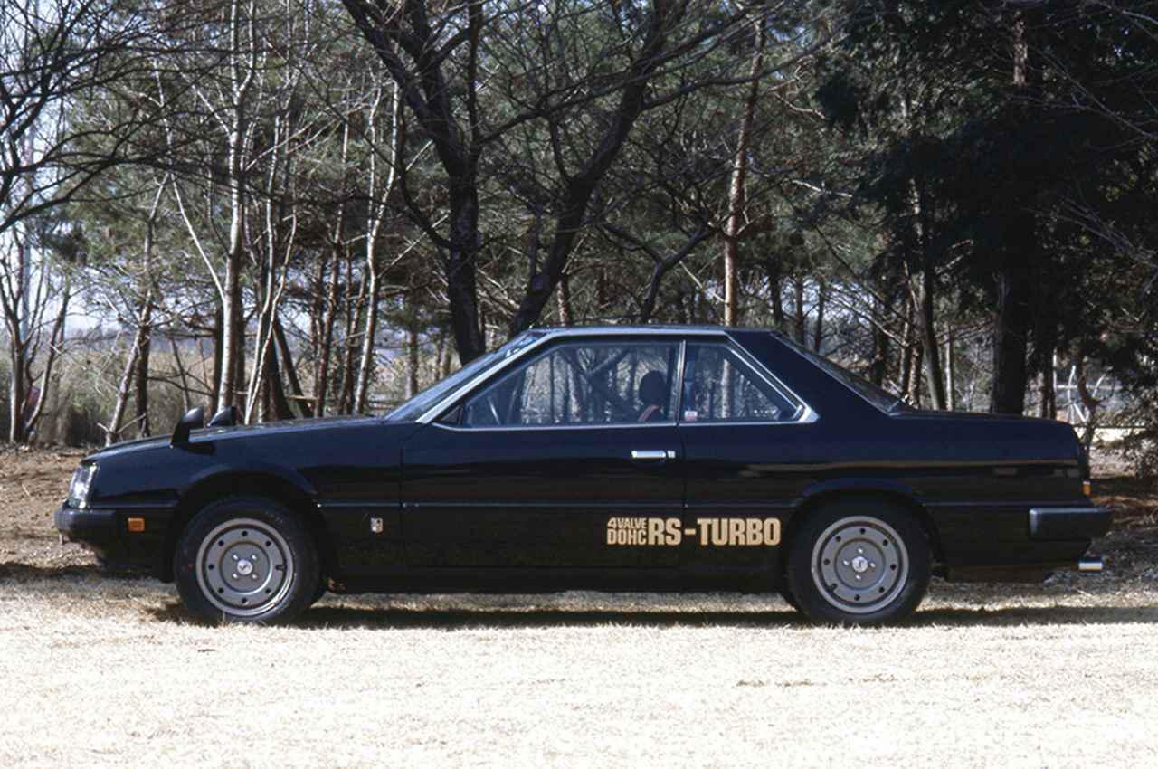画像: ボクシーさが目立つ80年代的デザインのサイドビュー。リアオーバーハングの長さが目立つ。