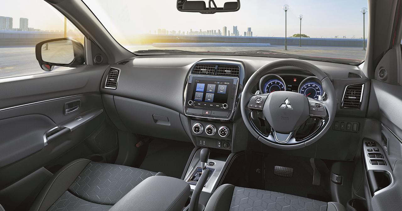 画像: 「G」4WDのインテリア。インパネまわりには大きな変更はない。