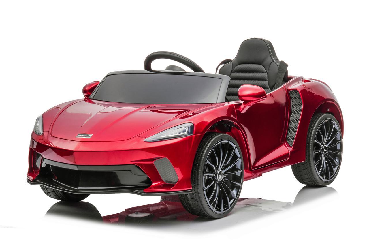 画像: 子ども用のライドオン(乗用玩具)とはいえ、誰が見ても「マクラーレン!」と分かるスタイリング。
