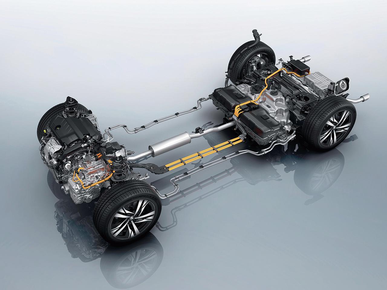 画像: 180psの1.6Lガソリンターボエンジンに110psの電動モーターを搭載し、システムトータル出力225ps/360Nmを発生。
