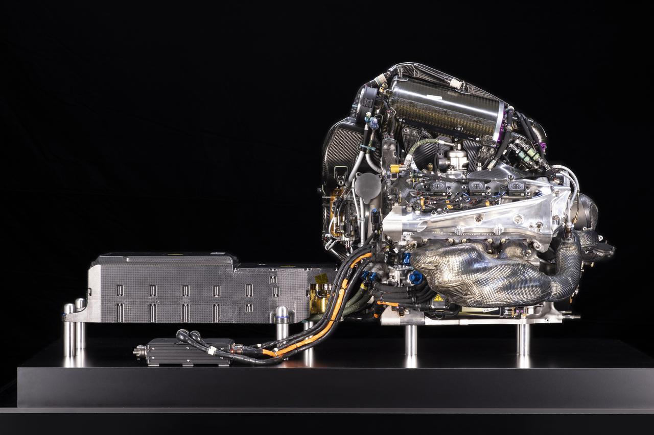 画像: ホンダのF1用パワーユニット「RA619H」。電動化が進むF1に、2015年からハイブリッド技術を盛り込んで参入。2021年、ついに頂点に立とうとしている。