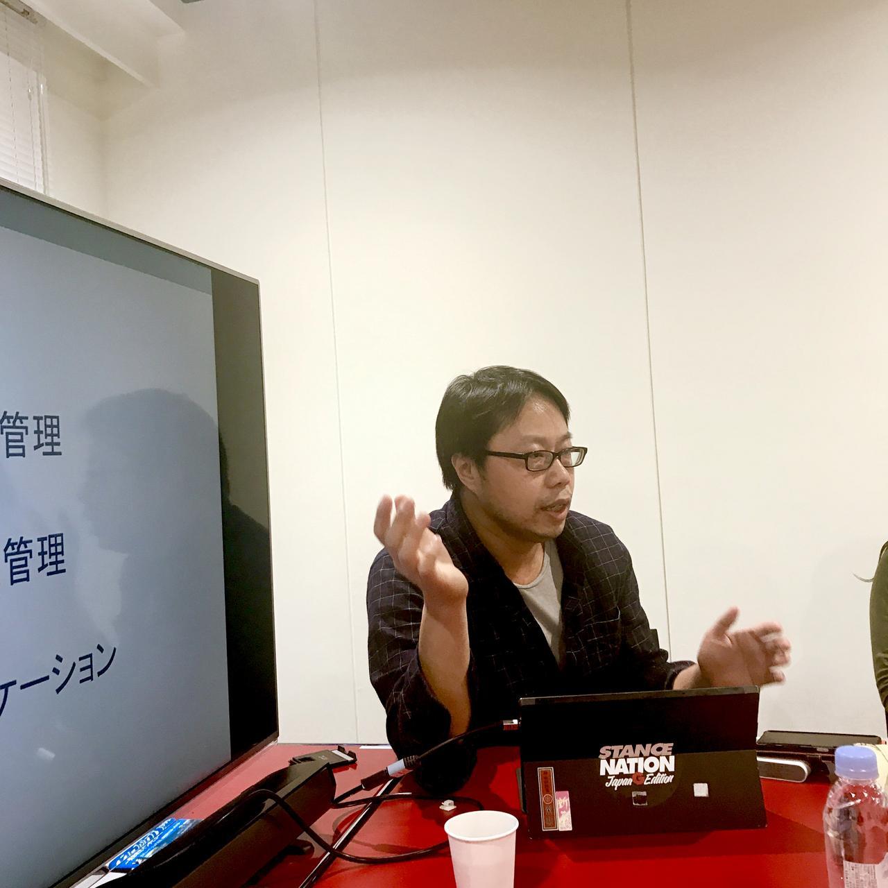 画像: 神谷アントニオ(44歳) UC Berkeley で神経細胞生物学部を卒業後、Kamiya Consultingを起業し(現存)、ローカライゼーション(売却済)、 雑誌同梱用CD-ROM制作、情報システム開発および運用の受託開発事業に従事する。平行して日本の書籍輸入サービス Fujisan.com(売却済)、日本で最初の雑誌定期購読エージェント株式会社富士山マガジンサービス(現存)を起業し、それぞれでCTOを担当する。
