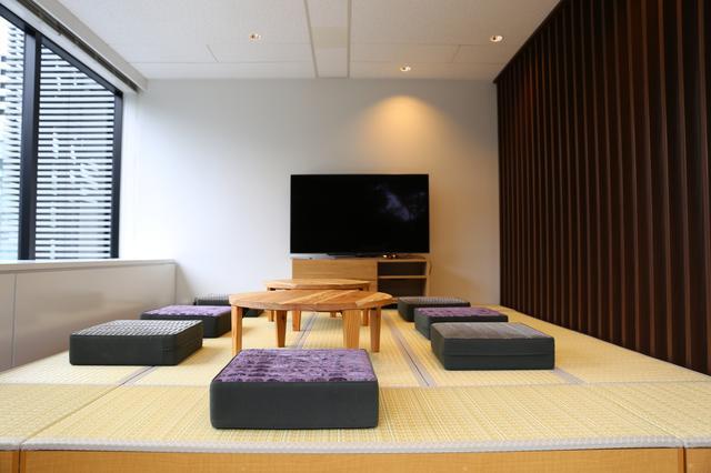 画像1: 休憩スペース兼、打合せスペースはおしゃれなお座敷スタイル