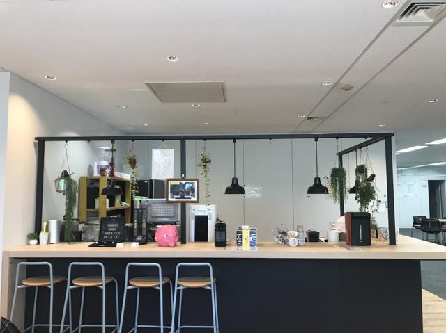 画像2: アイスコーヒーが40円で飲めるカフェテリア