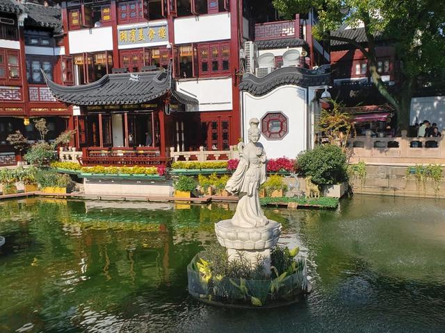 画像: 昼間の豫園(ヨエン・Yuyuan Garden)