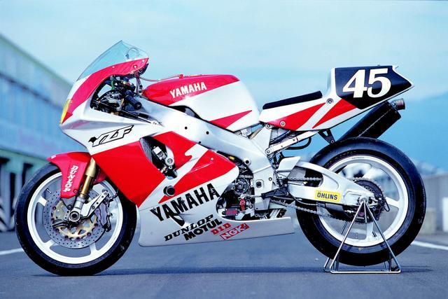 画像: アルミデルタボックスフレームは、スーパーバイクレギュレーションでフレームはスタンダードをそのまま使用。車体番号も、そのまま市販車のものが付いている。 オートバイ/モーターマガジン社