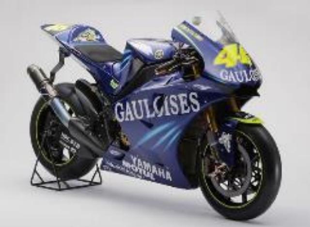 画像: YAMAHA MOTOR CO.,LTDヤマハ発動機株式会社 ヤマハ YZR-M1(2004年) 【ライダー:バレンティーノ・ロッシ】 MotoGP™クラスシリーズチャンピオン 日本GP(ツインリンクもてぎ)2位