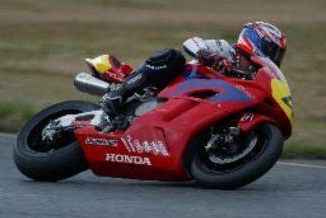 画像: Honda CBR1000RR(2005年) 【ライダー:伊藤真一】 全日本ロードレースJSB1000クラス シリーズチャンピオン 第8戦 ツインリンクもてぎ2位