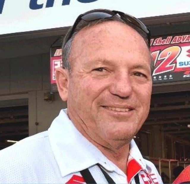 画像: グレーム・クロスビー氏 【プロフィール】 1955年生まれ。ニュージーランド出身。 鈴鹿8耐、デイトナ200、マン島TTレースなどで勝利を挙げ、様々なレースで活躍をみせる。 鈴鹿8耐では、第1回大会で3位(トニー・ハットン組)、第3回大会では1位(ウェス・クーリー組)に輝くなど、数多くの功績を残している。