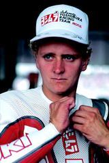 画像: 1986年大会でのシュワンツ。この年から世界ロードレースGP500ccクラスに参戦したシュワンツはベルギーとサンマリノGPで10位に入り、ポイントを獲得していました。 オートバイ/モーターマガジン社