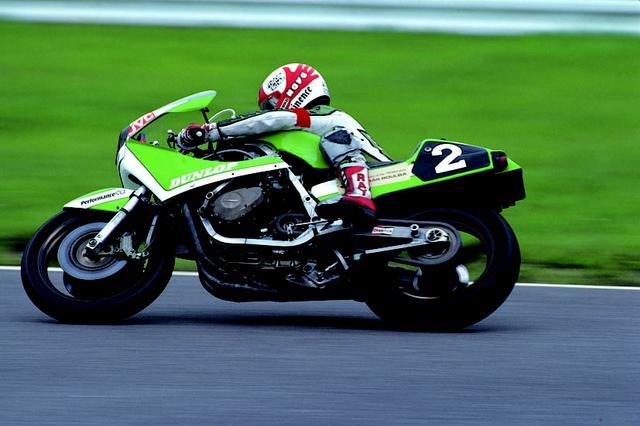 画像: AMAスーパーバイクで活躍する、998ccのZ1000Jをベースとしたワークス耐久マシン。この年のモデルは角断面のアルミフレーム、リア1本サスペンションのユニトラックを採用していました。 オートバイ/モーターマガジン社