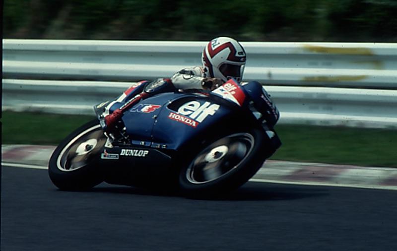 画像: 鈴鹿を激走するエルフe。ライダーはクリスチャン・ル・リアールです。 オートバイ/モーターマガジン社