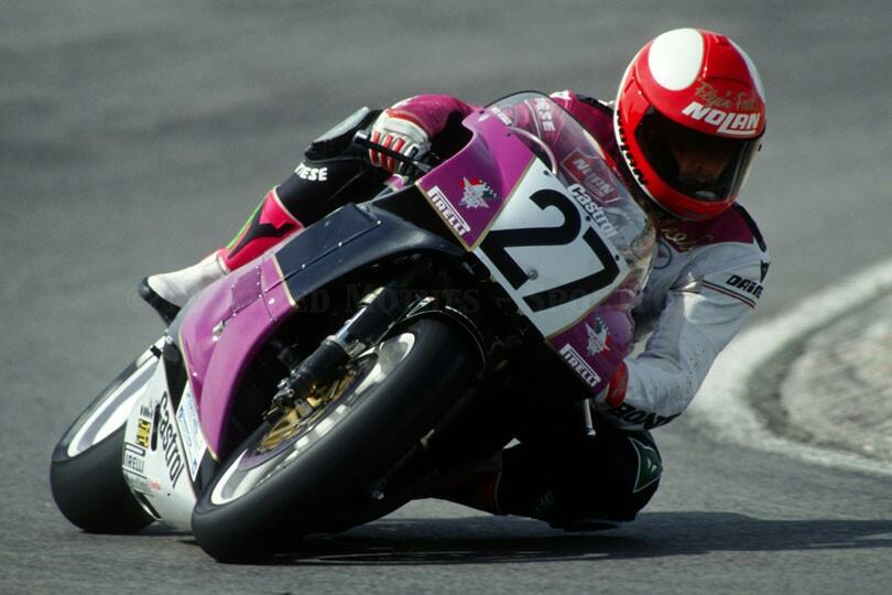 画像: かつてイタリアのバイクメーカーとして著名な、「ルミ」のチームのホンダVFR750R(RC30)でSBKを走るF.マーケル。 www.pinterest.co.uk