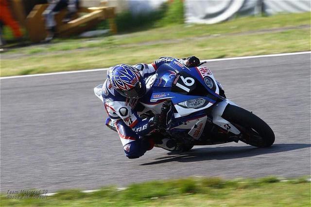 画像: トライアウト2ndステージ首位通過の酒井大作(BMW)。 www.facebook.com