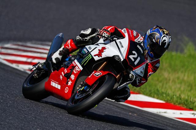 画像: チームリーダーの重責を担う中須賀克行。事前テストも順調にこなし、準備は万端といった印象です。 race.yamaha-motor.co.jp