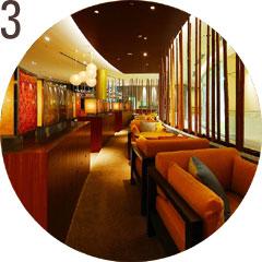 画像: 『建物へのこだわり』 S-PLAZAの建物には地元の伊勢型紙や、三重県産の木材を使用し、地域との一体や環境への配慮がされている。 www.suzukacircuit.jp