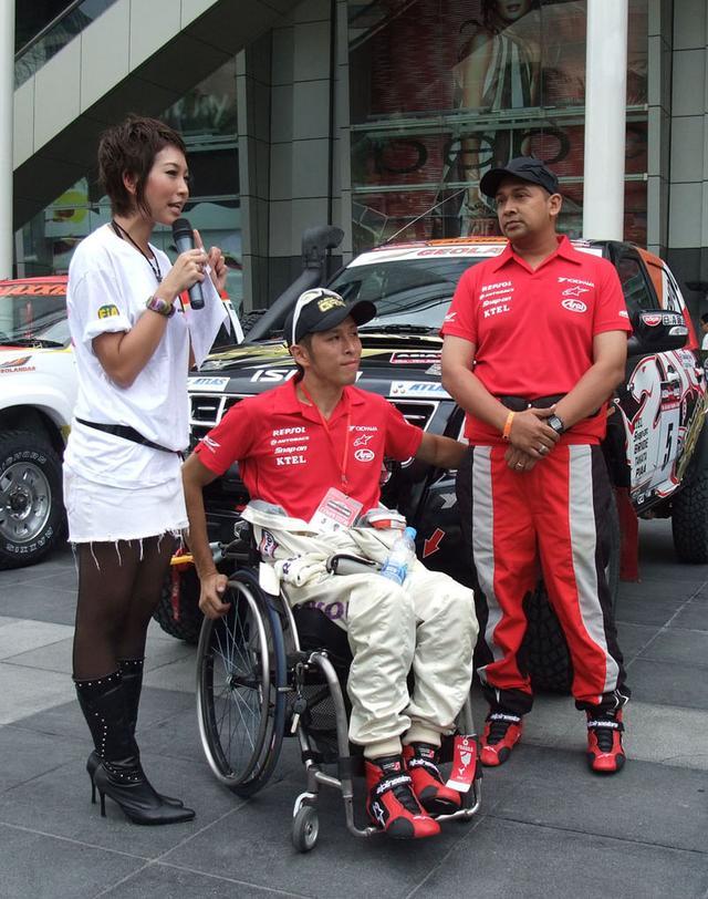 画像: 2008年、アジアクロスカントリーラリー参戦時の青木拓磨。なお2020年は、4輪のル・マン24時間レースに参戦することを予定しています! en.wikipedia.org